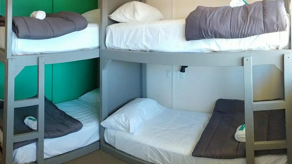 Habitacion Cuadruple luminosa - Hostel Hormiga Negra - Bariloche