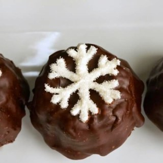 Snowflake Chocolate Bundtlettes