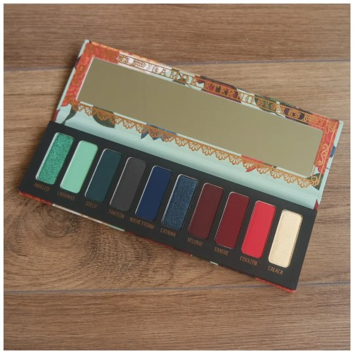 melt amor eterno muerte eyeshadow palette review swatch makeup look 2 looks 1 palette fair skin dry skin