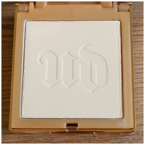 urban decay stay naked the fix powder foundation30 nn fair skin dry skin review swatch makeup look application