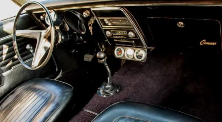 1968 chevy camaro 350 V8 four speed