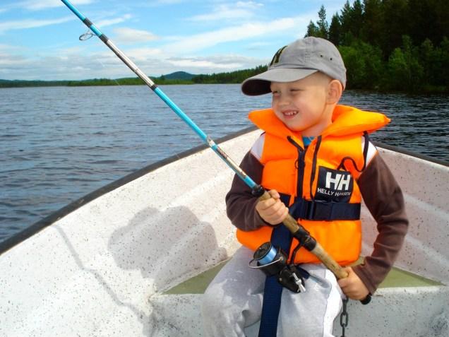 Alla kan fiska i Hotagsbygden. Foto Hotagenkortet