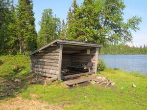 Vindskydd finns överallt i Hotagsbygden. Foto Lennart Andersson