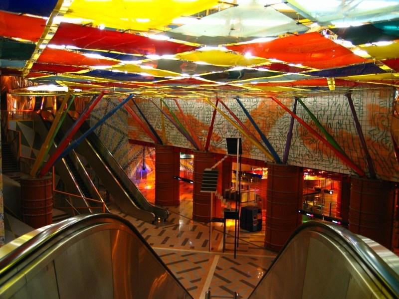 No es la típica estación de metro  - hotbook-106-1024x768