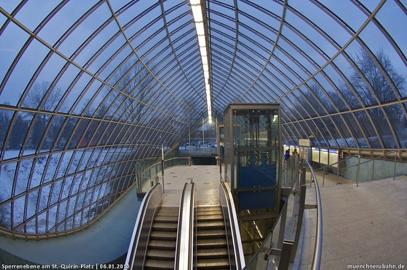 No es la típica estación de metro  - hotbook-210