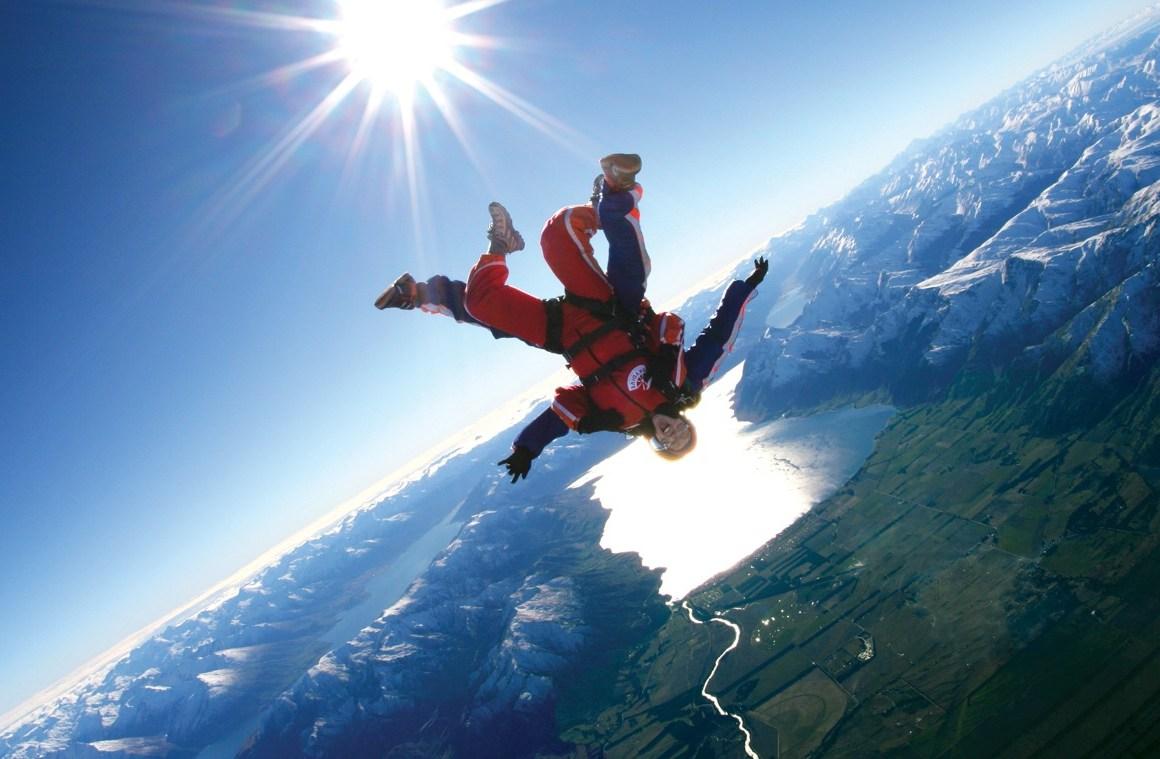 Los mejores lugares del mundo para tirarse de paracaídas - hotbook-1b