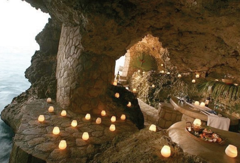http://www.telegraph.co.uk/travel/hotels/5081595/Cave-hotels-around-the-world.html?image=7