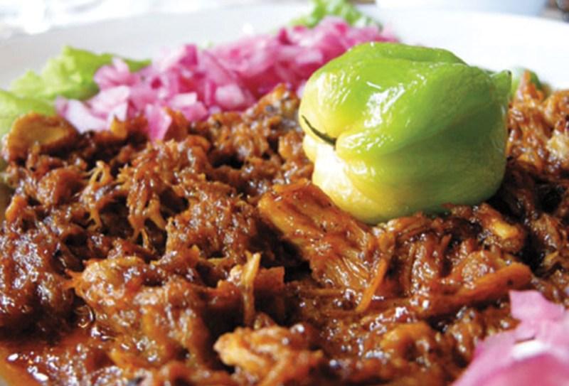 LUGARES QUE TODO FOODIE DEBE CONOCER EN MÉXICO  - izamal-1024x696