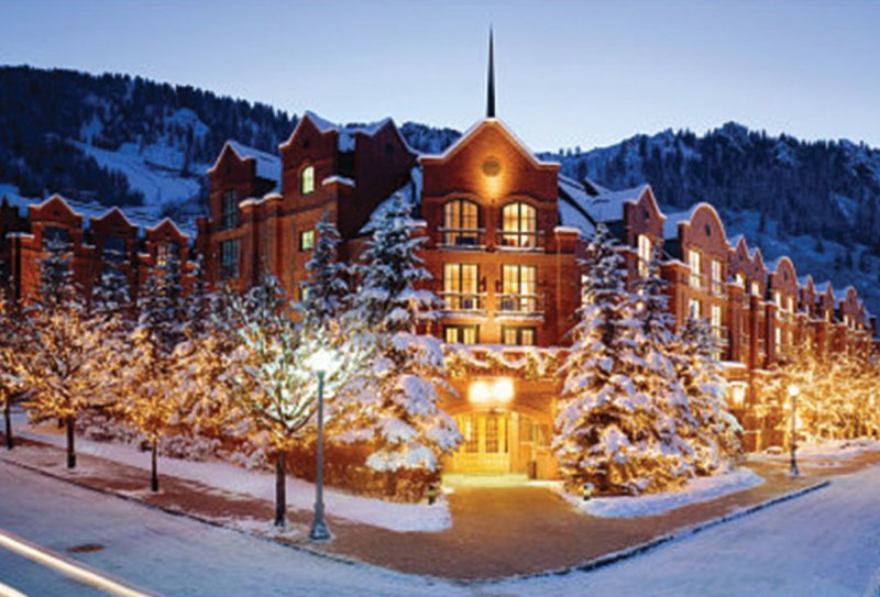 https://massivehotel.wordpress.com/2014/12/04/christmas-destinations/