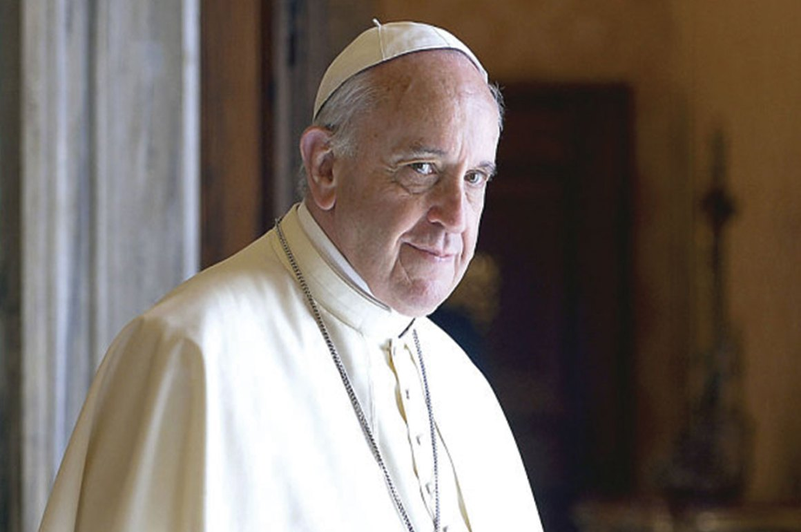 5 Ocasiones en que el Papa Francisco ha cambiado la percepción de la Iglesia en el mundo - papa_hotbook_PORTADA
