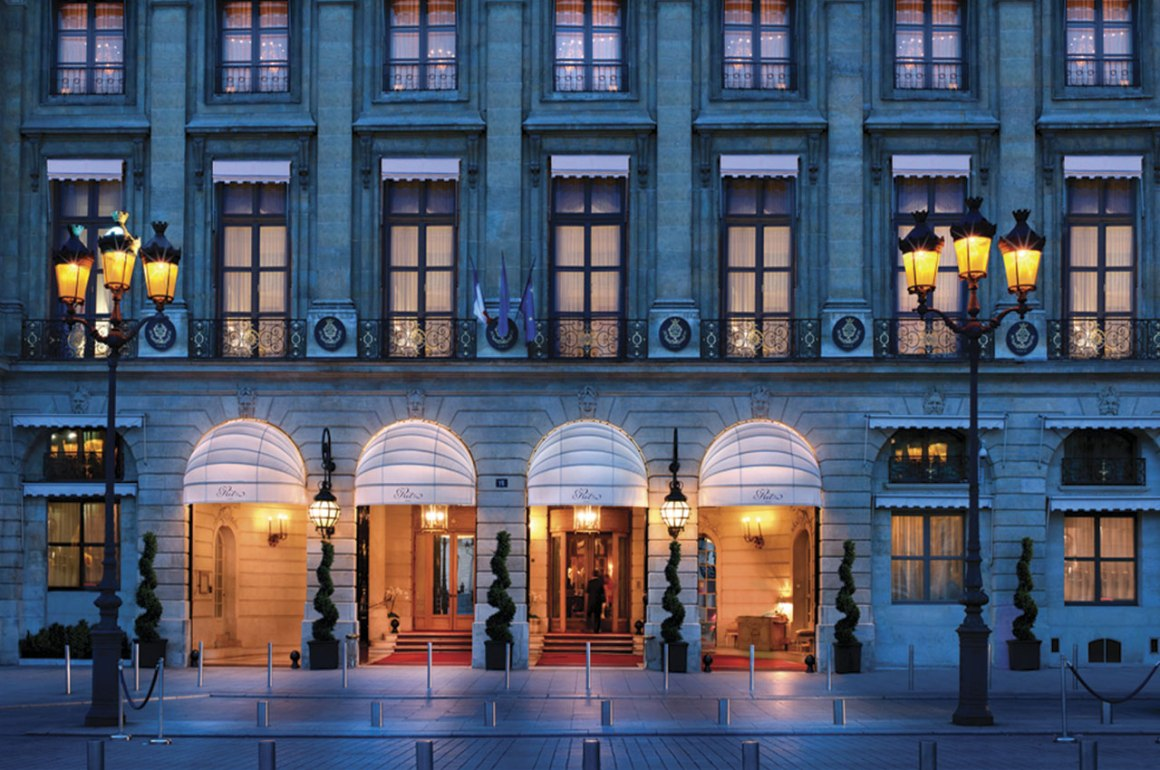 El Ritz París - ritzparis_hotbook_PORTADA