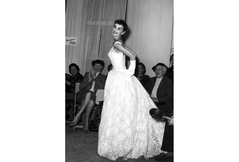 Los vestidos más icónicos de los Óscares  - vestidososcares_hotbook__01-1024x696