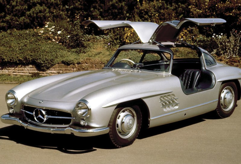 http://www.seriouswheels.com/mno/Mercedes-Benz-300SL-Gullwing-Coupe-FA-OD-1024x768.htm