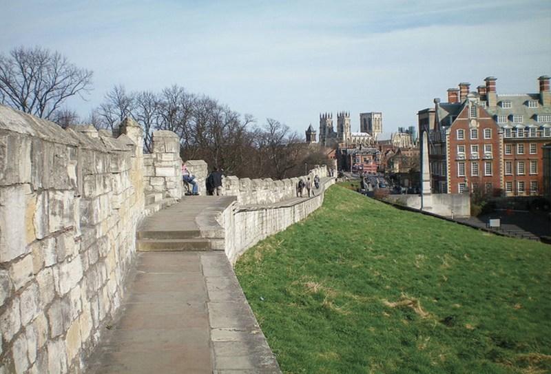 15 Ciudades amuralladas  - murallas_hotbook_15-1024x696