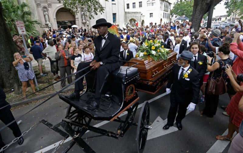 Ritos fúnebres alrededor del mundo  - ritos-funebres-1-1024x645
