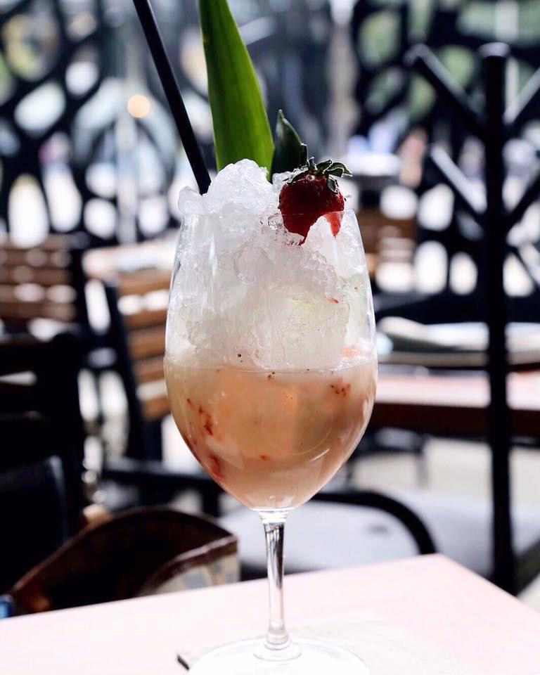 Los 10 mejores lugares para Cocktails en la CDMX - Rosa-Negra-