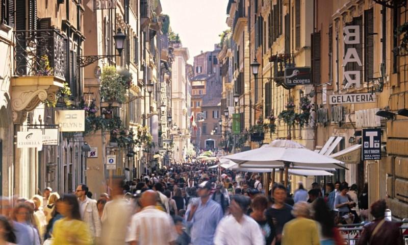 48 horas en Roma - via-condotti-rome-italy-009-1024x614