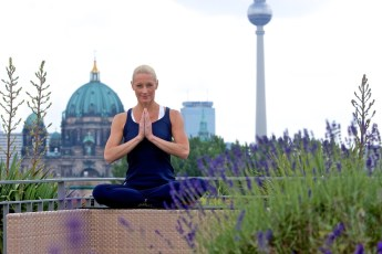 Yoga & the City - derome