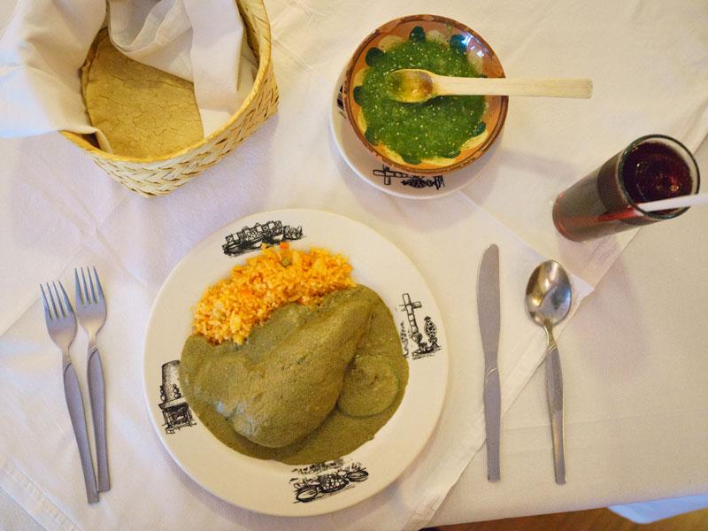 De chile, mole y pozole: los mejores restaurantes de la CDMX para las fiestas patrias - cb_mc_fondaelrefugio_pr_final2
