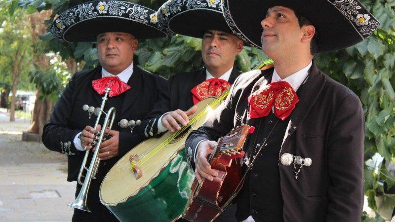13 ítems que tienes que tener en tu fiesta de Independencia - mariachis-mexicanos-los-mejores-y-autenticos-mariachis-5170-mla4175231592_042013-f