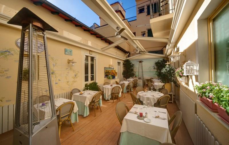 48 horas en Forte dei Marmi - locale-saletta-ristorante-trattoria-tre-stelle-forte-dei-marmi-21