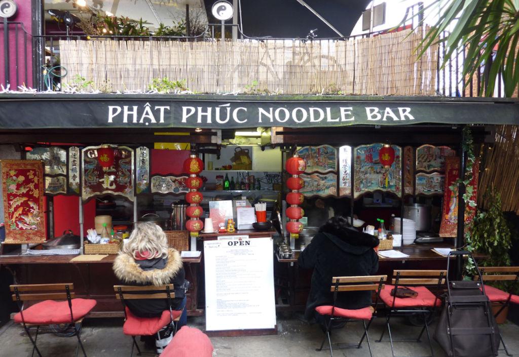 Excelentes restaurantes alrededor del mundo que seguramente no conoces - 1. Phat Phuc Noodle Bar - portada