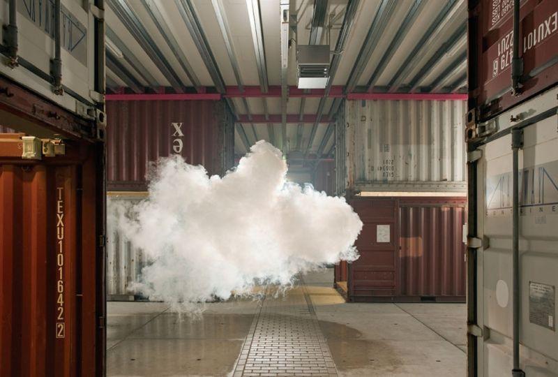 Berndnaut Smilde: El artista holandés que juega con límites entre realidad y ficción - Berndnaut-Smilde-Nimbus-NP3-2012-digital-C-type-print-on-dibond-125x185-cm-courtesy-the-artist-and-Ronchini-Gallery