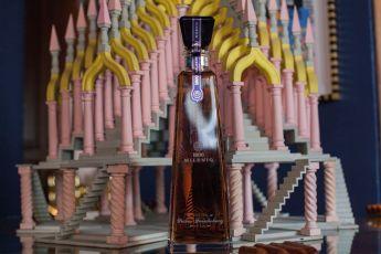 Tequila 1800 Pedro Friedeberg, Botella Que Captura la Personalidad del Artista - Tequila 1800 Pedro Friedeberg CUERVO-PORTADA