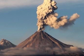 Pon en la mira, las 5 montañas más sorprendentes de México. - Volcán-de-Colima portada-1
