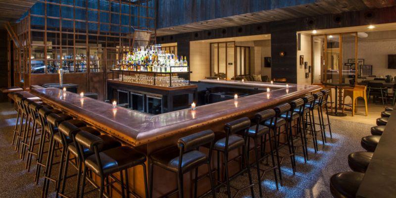 El nuevo hotel Moxy, una divertida alternativa para alojarte en Nueva York - nuevo-hotel-Moxy-4.-IndoorBar
