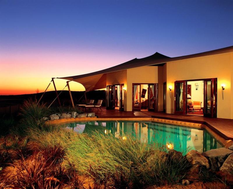 Los hoteles del mundo que deben encabezar tu bucket list - Al-Maha-Hotel-1-