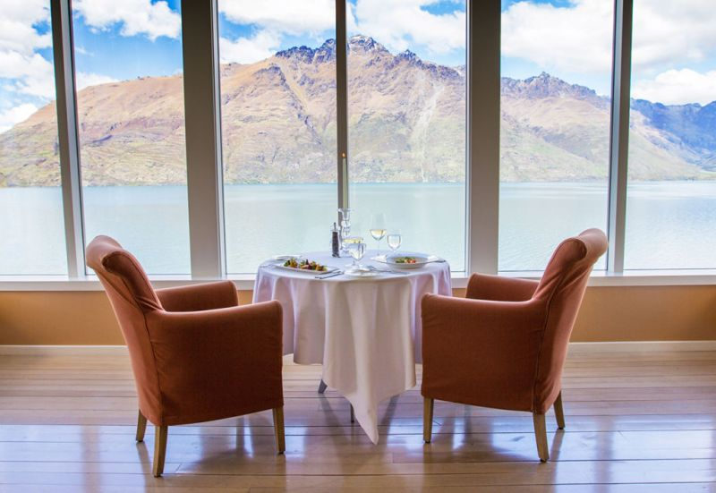 Matakauri Lodge - travel_hotel_dinner_table_view