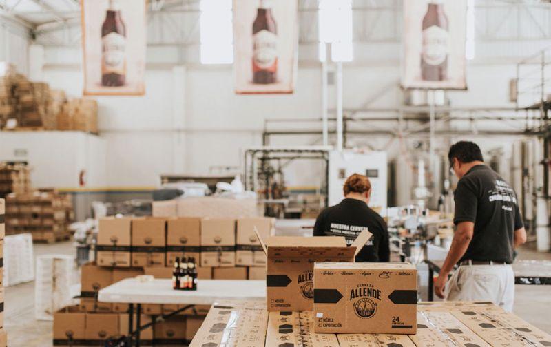 Cervecería Allende - CERVECERÍA-ALLENDE-EMPACANDO