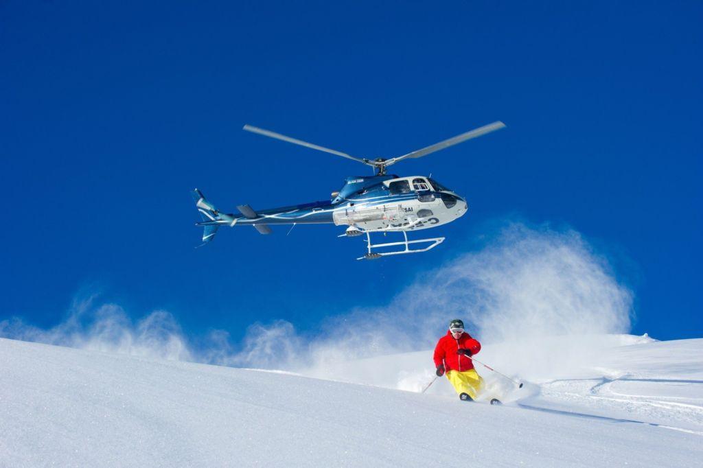 Las actividades extremas más emocionantes para este 2018 - Heli-Skiing portada