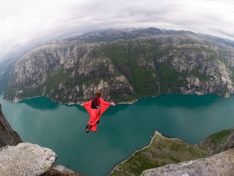 Las actividades extremas más emocionantes para este 2018 - Wingsuit-Flying