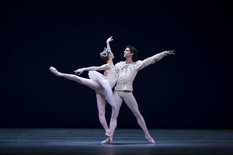 Isaac Hernández conquistó el Prix Benois de la Danse - related-image-1