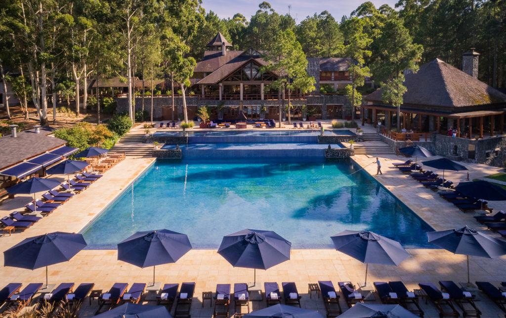 Carmelo Resort & Spa, un alojamiento imperdible en el suroeste de Uruguay - pool view Carmelo Resort