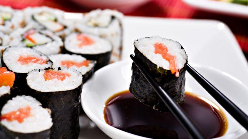 La manera correcta de comer sushi - 3-sushi-y-soya