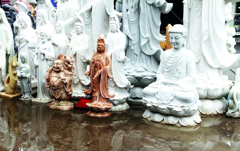 Vietnam: Hoi An y las montañas de mármol - hoi-an-marmol-artesania-estatuilla-tipico