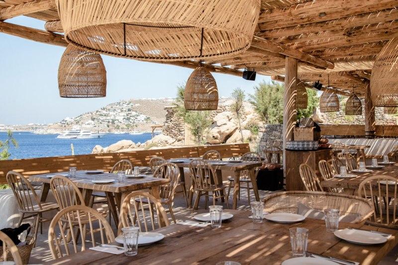 Guía para visitar Mykonos - scorpios-mykonos-beach-restaurant-15