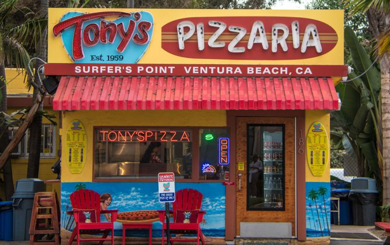 California Roadtrip, un viaje de naturaleza extrema. - tonys-pizzaria-restaurant-channel-islands