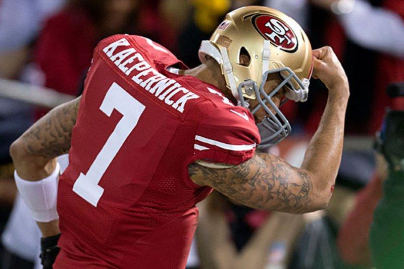 """Nike elige a Kaepernick como imagen de la campaña """"Just Do It"""" en su 30 aniversario - nike-elige-a-colin-karpernick-como-cara-de-su-nueva-campancc83a-just-do-it-kaepernick-en-el-superbowl-2012"""