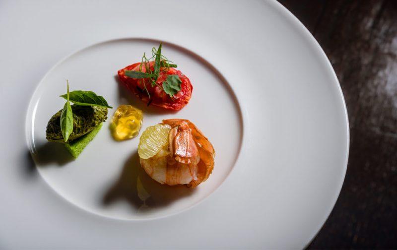 Luigi Taglienti y su cocina de la liguria - comida-gourmet-chef-camaron-platillo