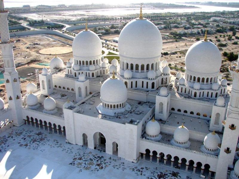 Guía para visitar Abu Dabi - cultura-y-turismo-sheikh-zayed-mosque
