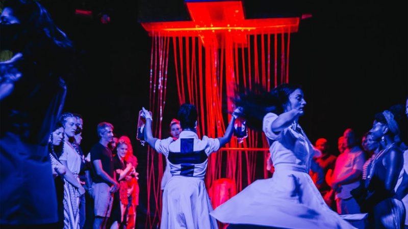 5 experiencias teatrales a las que debes asistir en Nueva York - experienciasteatrales_seeingyou