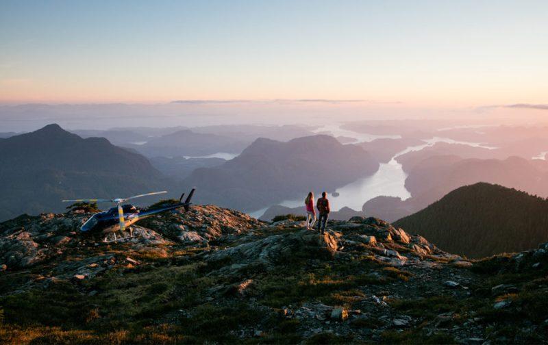 Bestiario Pardo, experiencias en los bosques del pacífico canadiense - paisaje-montancc83as-helicoptero-vista-cielo