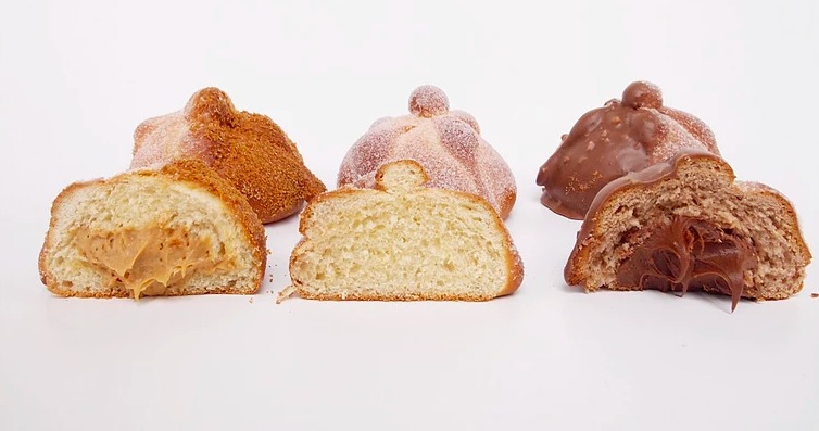 Nuevas versiones de pan de muerto para probar esta temporada - pan-de-muerto-relleno-de-speculoos-odette-cuisine