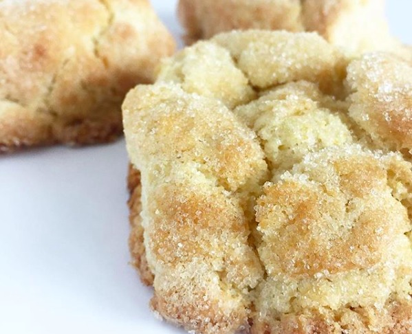 Nuevas versiones de pan de muerto para probar esta temporada - scone-de-pan-de-muerto-macorina-reposteria