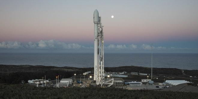 El cohete Falcon 9 de SpaceX aterrizó de forma exitosa en la costa de California - space-x-cohete-falcon-2