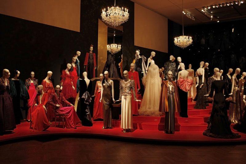 Las exposiciones que no te puedes perder en París en esta temporada - museosparis_ysl